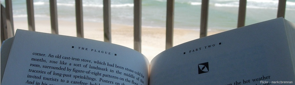 Books_to_read_on_the_beach.jpg